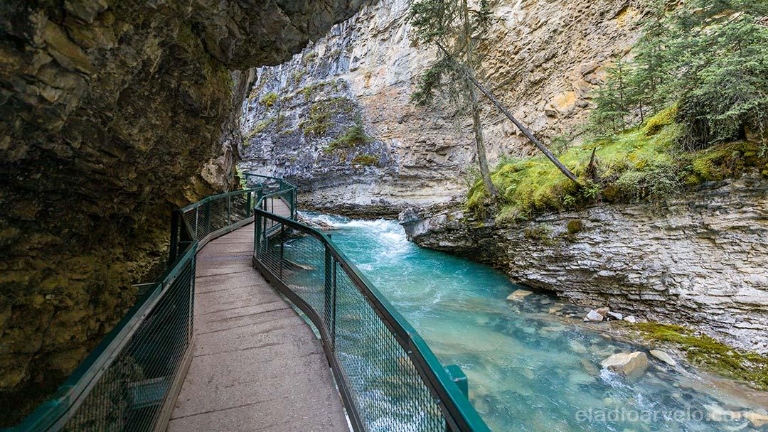 Trail along Johnston Canyon at Banff National Park.