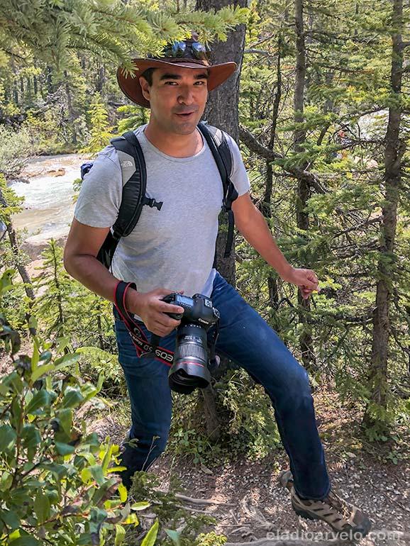 Eladio hiking in the woods. (Photo credit: Irma Sveiteryte).