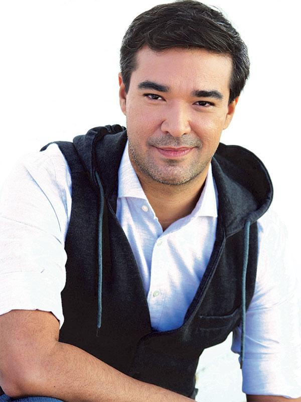 Official Portrait for Eladio Arvelo.