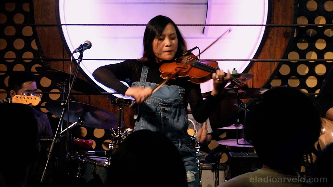 Anh Nguyen performing live at Acoustic Bar in Ho Chi Minh City.