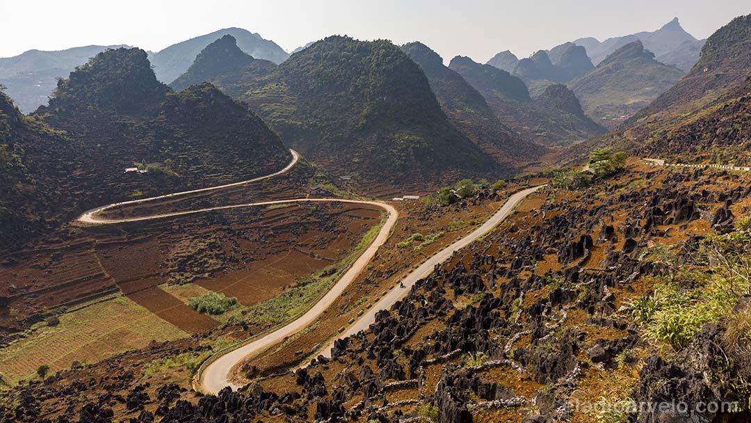 Mountain pass through Ha Giang.